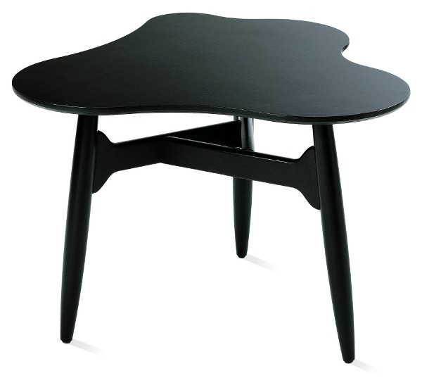 black-varnished-table