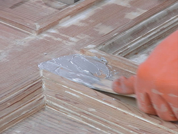 Applying Wood Filler