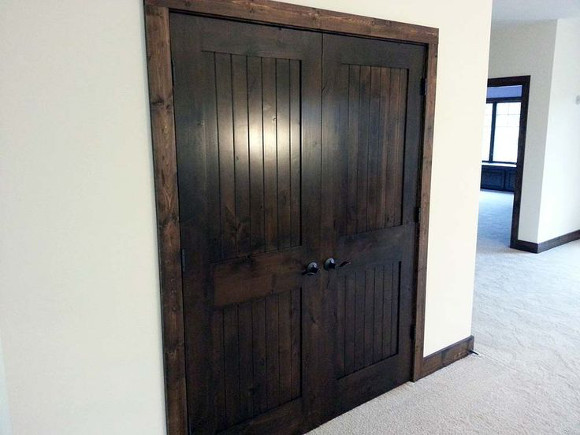 Varnished interior wooden doors