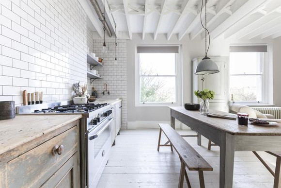 white shabby chic kitchen