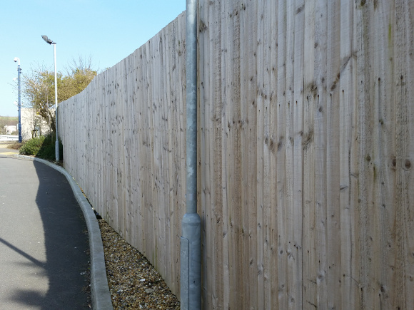 new-wooden-fencing