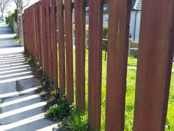 simple-wooden-fence-maintenance