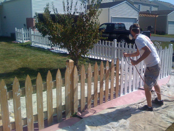 making your fence painting life easier using a fence paint sprayer. Black Bedroom Furniture Sets. Home Design Ideas