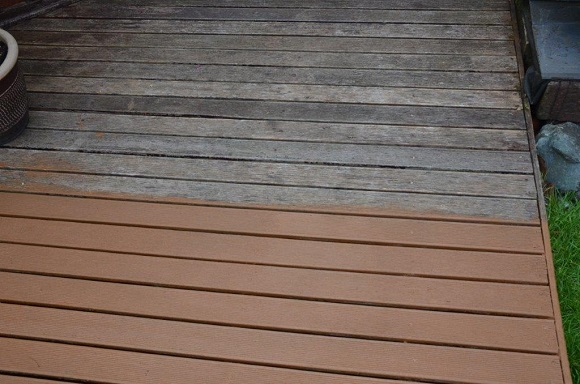 decking-half-done-with-ronseal-decking-rescue-paint