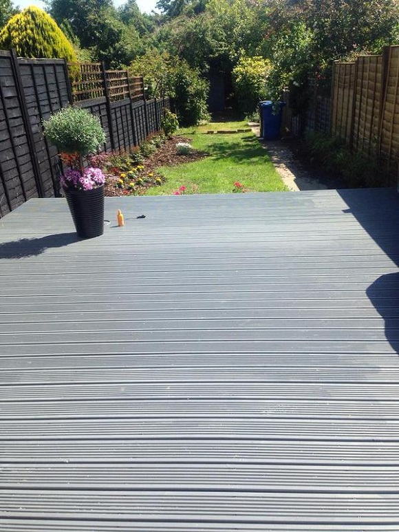 decking-treated-with-ronseal-ultimate-decking-stain-1