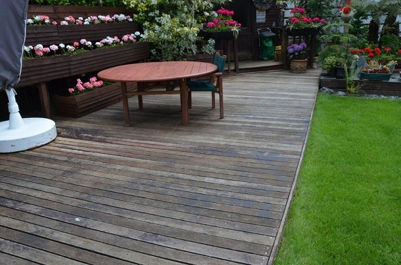 john-hertfordshire-untreated-decking