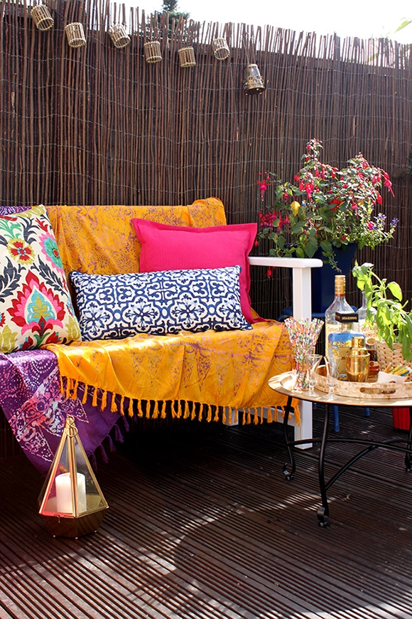 add-textiles-to-garden-spaces
