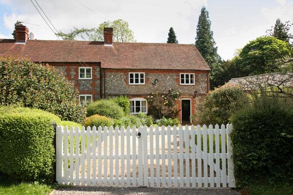 Picket Fence Style Garden Gate