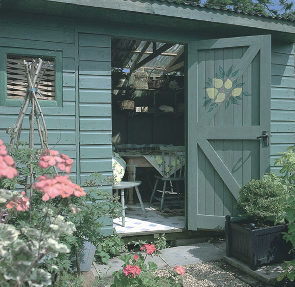 garden shed painted with Protek Royal Exterior paint