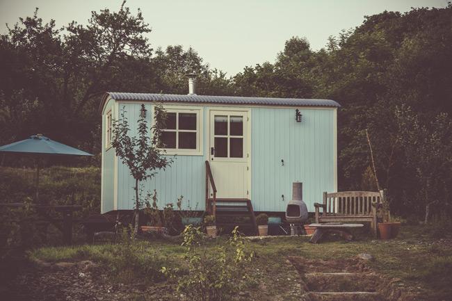 Woodland hideaway hut
