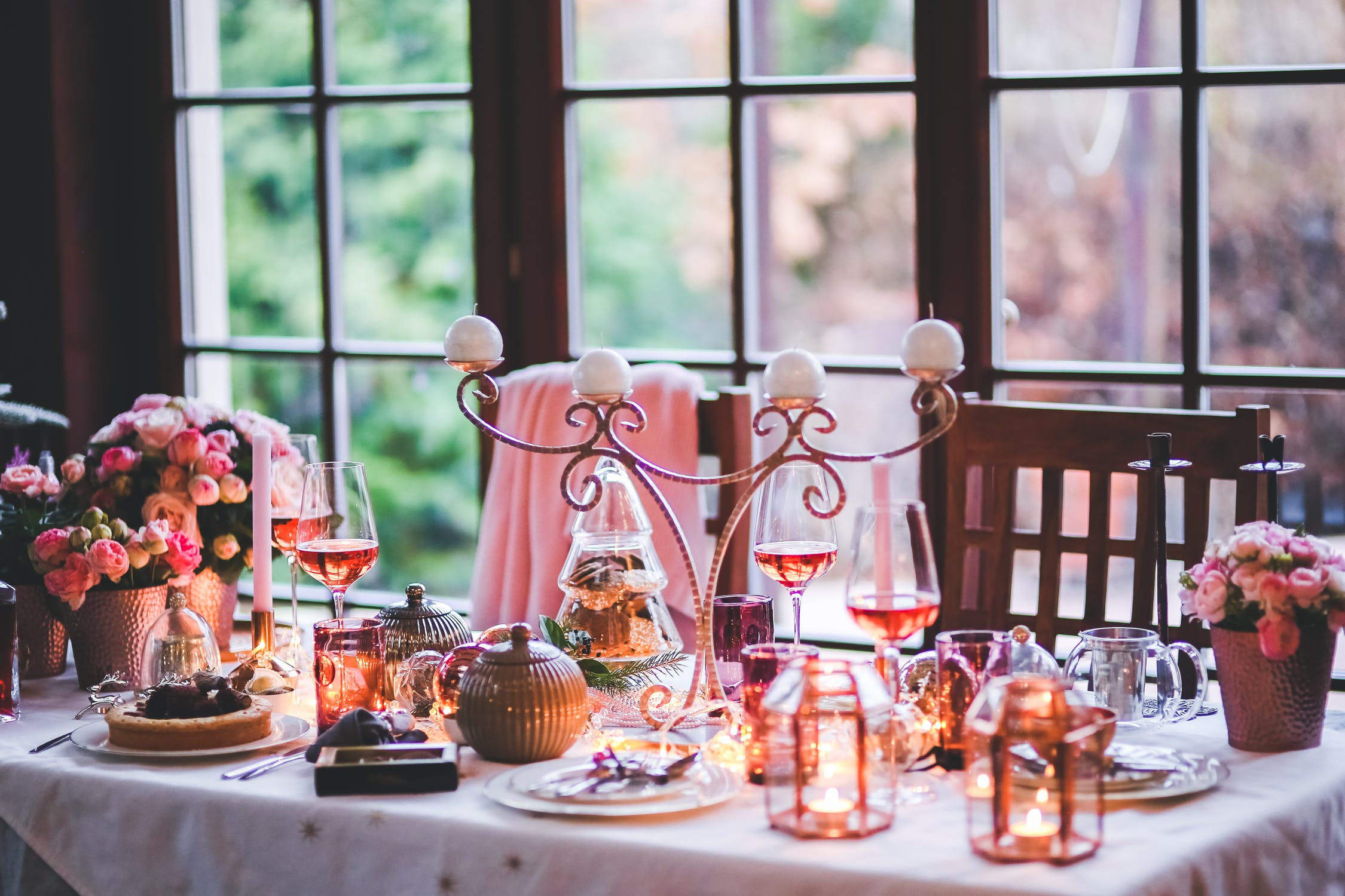 decorative-christmas-table
