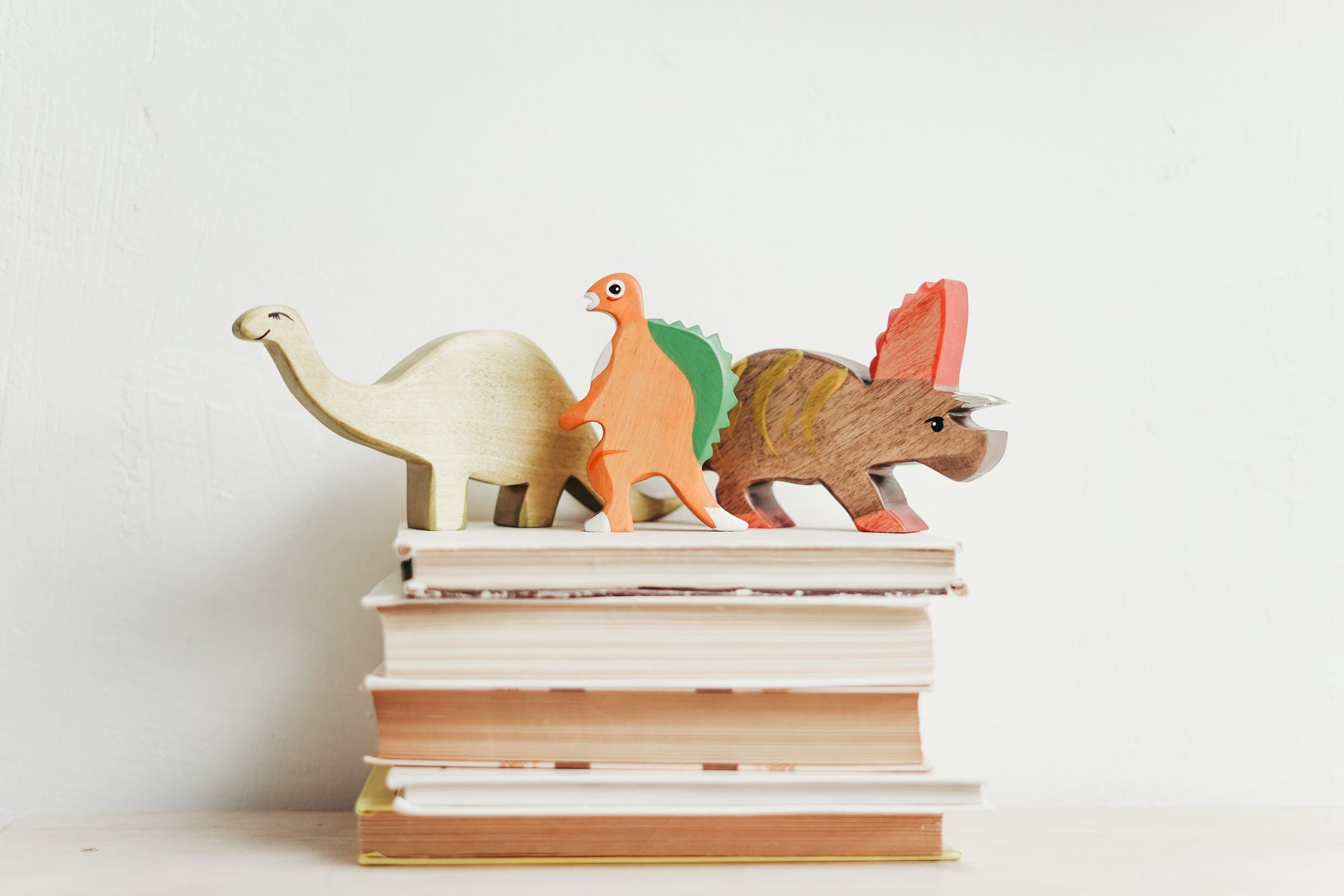 wooden-dinosaurs
