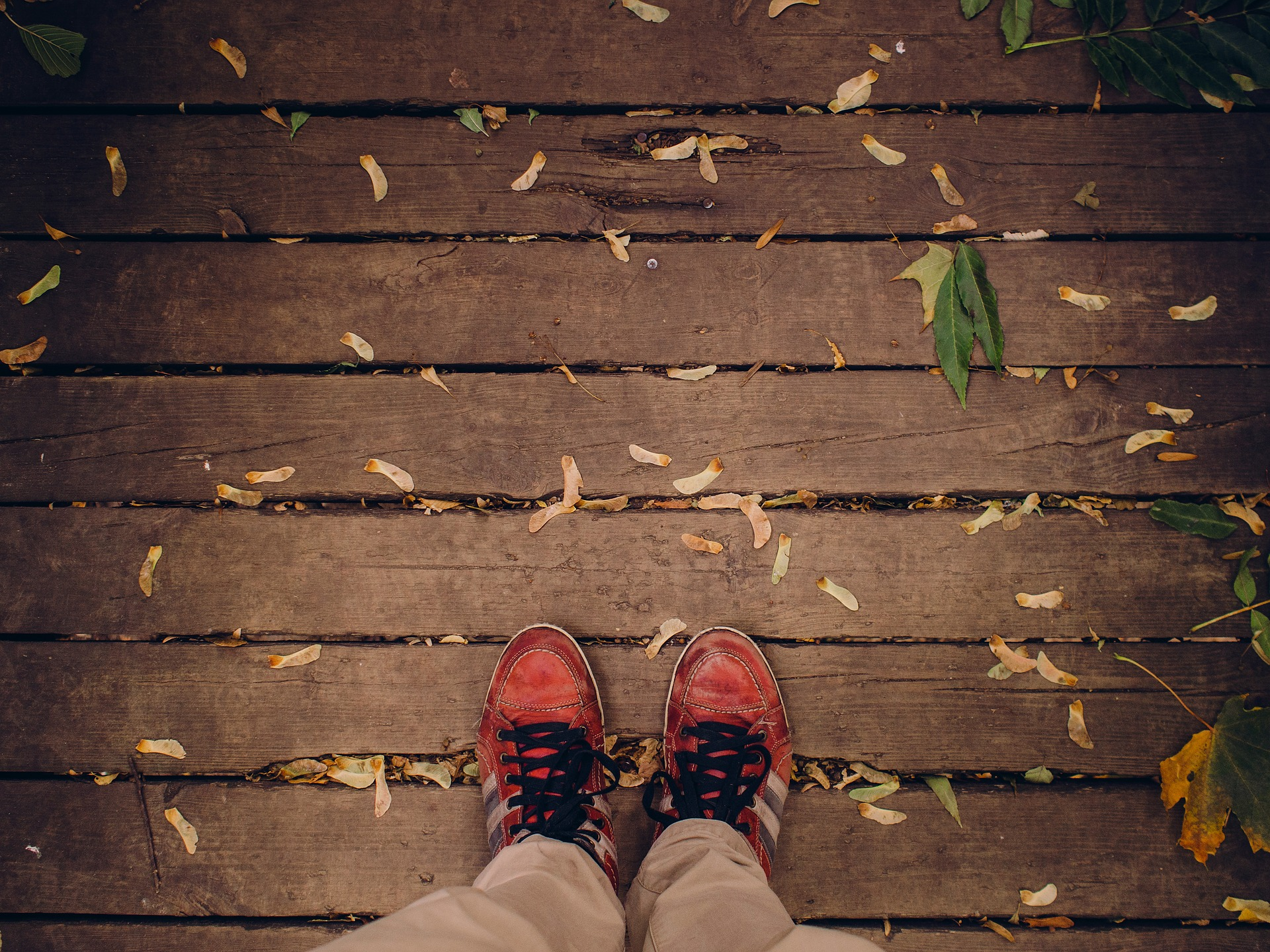 shoes-decking