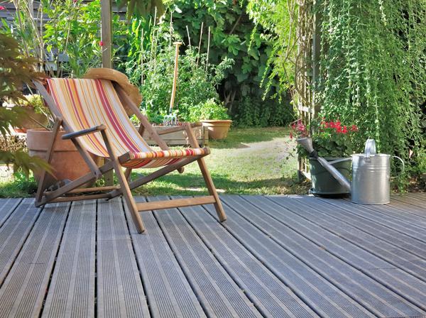 decking-lawn-chair