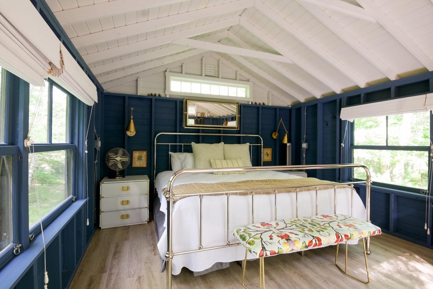 cottage-autumn-interior
